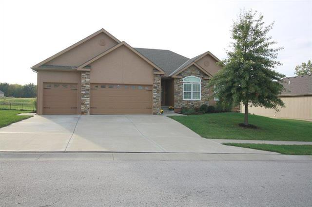1731 Harbor Drive, Kearney, MO 64060 (#2133738) :: Edie Waters Network