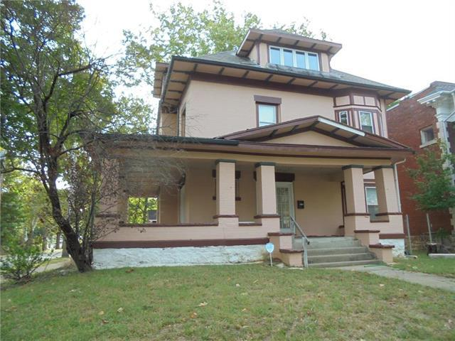 4401 Harrison Street, Kansas City, MO 64110 (#2133820) :: Eric Craig Real Estate Team
