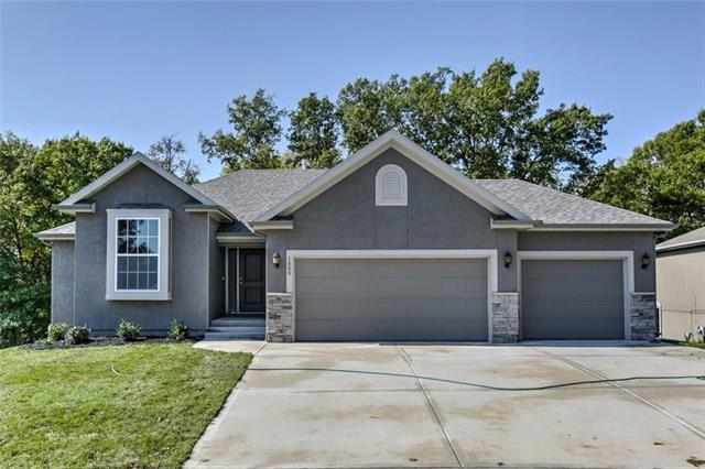 3543 N 112th Terrace, Kansas City, KS 66109 (#2133885) :: House of Couse Group