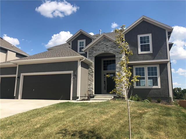 20425 W 107 Terrace, Olathe, KS 66061 (#2134016) :: Edie Waters Network