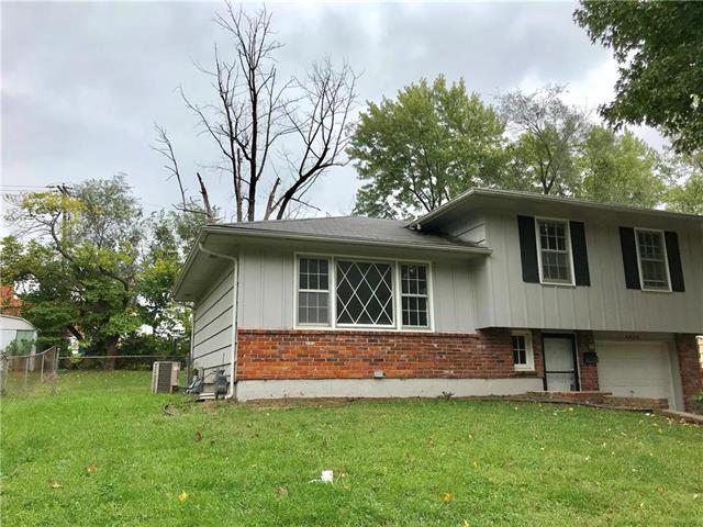 4923 Overton Avenue, Kansas City, MO 64133 (#2134028) :: Edie Waters Network