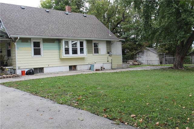 343 White Avenue, Kansas City, MO 64123 (#2134099) :: No Borders Real Estate