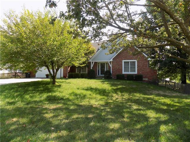 5763 Richards Circle, Shawnee, KS 66216 (#2134111) :: Edie Waters Network