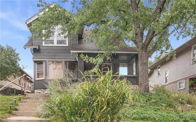 4217 Holmes Street, Kansas City, MO 64113 (#2134126) :: The Shannon Lyon Group - ReeceNichols