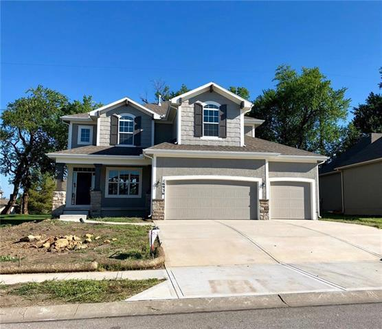 16437 S Parkwood Street, Olathe, KS 66062 (#2134149) :: Edie Waters Network