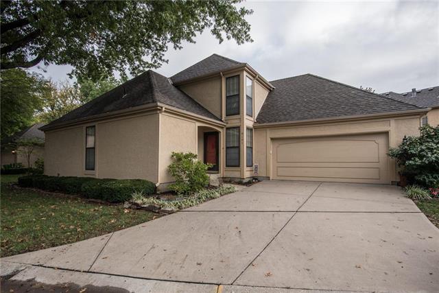9151 102nd Terrace, Overland Park, KS 66212 (#2134170) :: Char MacCallum Real Estate Group