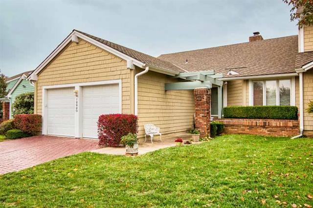 12620 Baltimore Court, Kansas City, MO 64145 (#2134184) :: Kansas City Homes