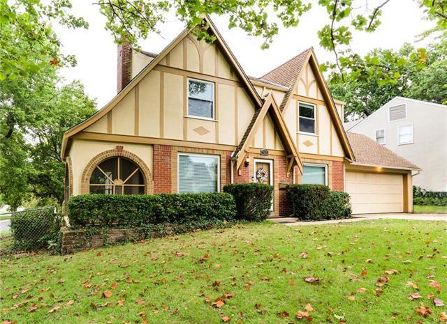 400 E 80th Terrace, Kansas City, MO 64131 (#2134213) :: Char MacCallum Real Estate Group