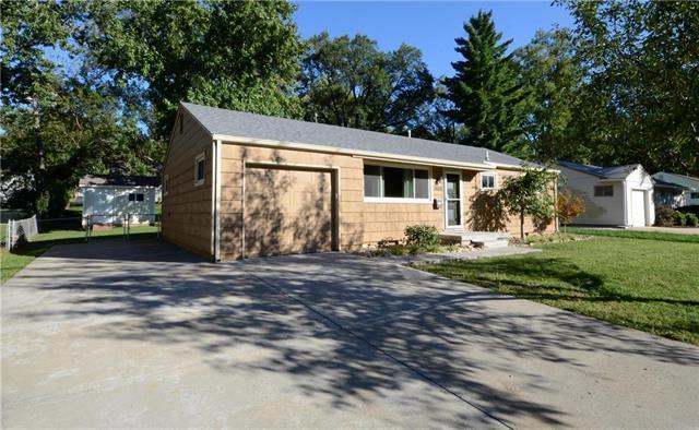7805 Nall Avenue, Prairie Village, KS 66208 (#2134233) :: Edie Waters Network