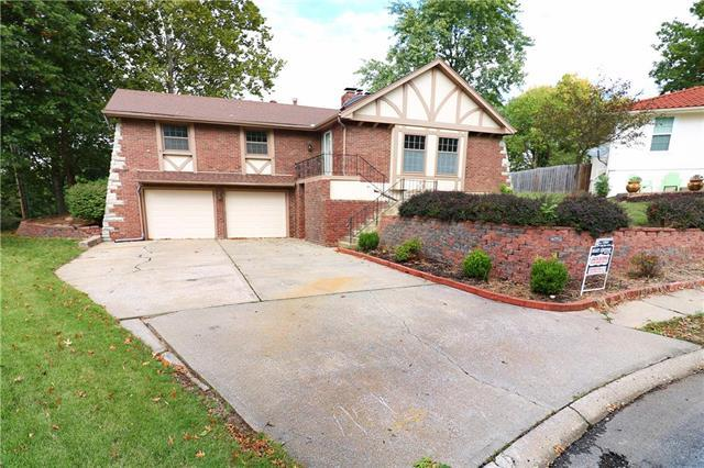 16006 E 40th Terrace, Independence, MO 64055 (#2134235) :: Edie Waters Network