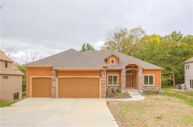 8100 NW Venita Street, Weatherby Lake, MO 64152 (#2134248) :: Kansas City Homes
