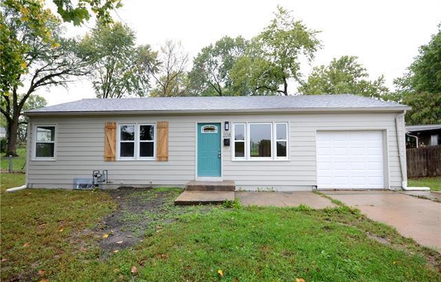 208 N Kendall Drive, Independence, MO 64056 (#2134308) :: Edie Waters Network