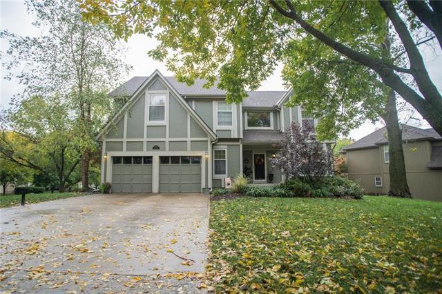 8119 Legler Road, Lenexa, KS 66219 (#2134312) :: Team Real Estate