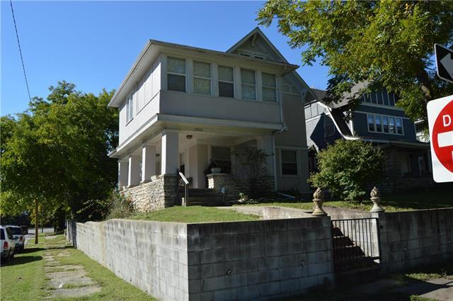 3760 Flora Avenue, Kansas City, MO 64109 (#2134345) :: Edie Waters Network