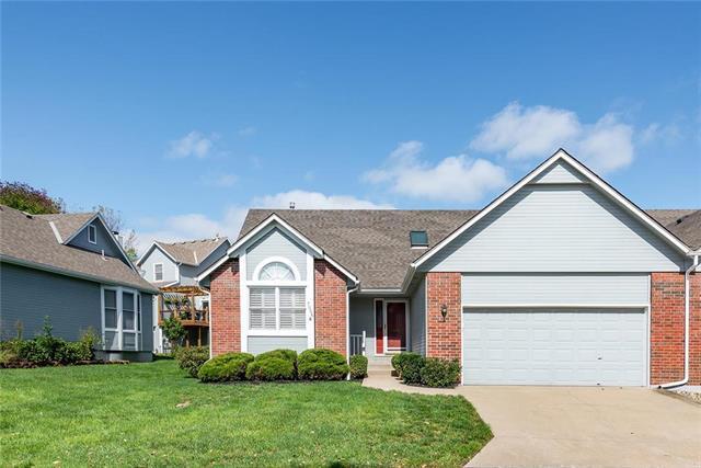 7006 W 157 Terrace, Overland Park, KS 66223 (#2134347) :: Char MacCallum Real Estate Group