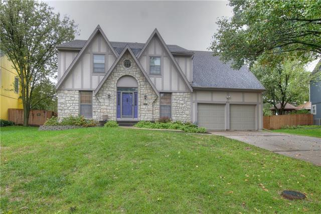 9430 Tomashaw Lane, Lenexa, KS 66219 (#2134393) :: The Shannon Lyon Group - ReeceNichols