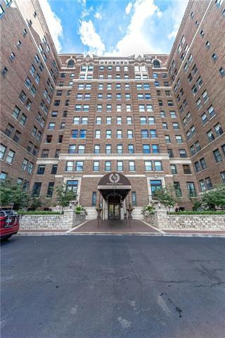 229 Ward Parkway #205A, Kansas City, MO 64112 (#2134500) :: NestWork Homes