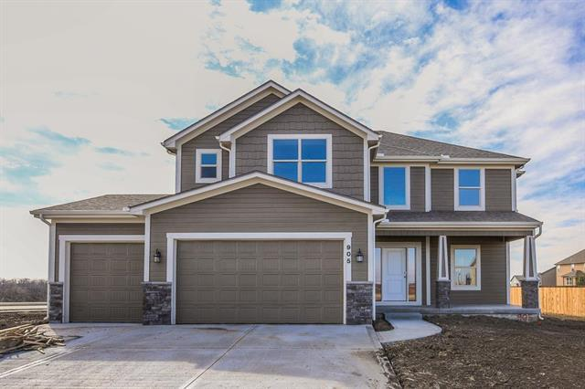 921 Coyote Drive, Raymore, MO 64083 (#2134534) :: The Shannon Lyon Group - ReeceNichols