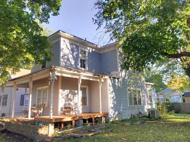 324 W 3rd Avenue, Garnett, KS 66032 (#2134545) :: No Borders Real Estate