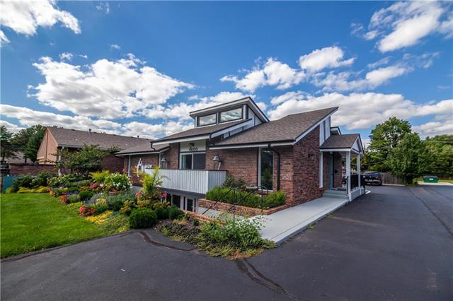 4600 W 89 Street, Prairie Village, KS 66207 (#2134549) :: Char MacCallum Real Estate Group