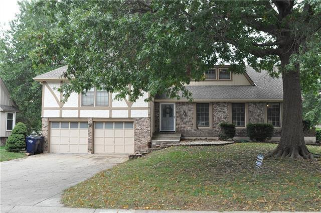 209 SE Alger Drive, Blue Springs, MO 64014 (#2134574) :: No Borders Real Estate