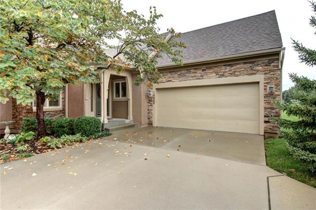 14088 S Summit Street, Olathe, KS 66062 (#2134586) :: No Borders Real Estate