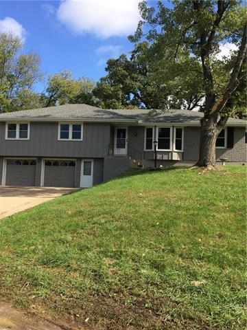 2717 S Lowe Road, Independence, MO 64015 (#2134624) :: No Borders Real Estate