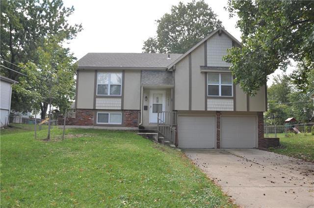 14115 W 94th Terrace, Lenexa, KS 66215 (#2134625) :: Team Real Estate