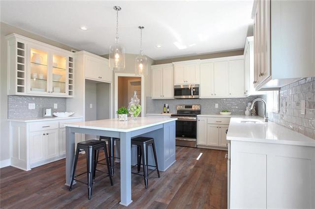 31545 W 85th Street, Desoto, KS 66018 (#2134628) :: Char MacCallum Real Estate Group