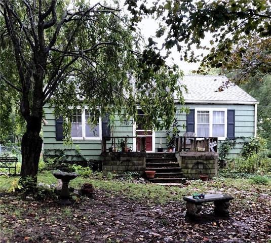 7907 W 54 Terrace, Overland Park, KS 66202 (#2134642) :: Edie Waters Network
