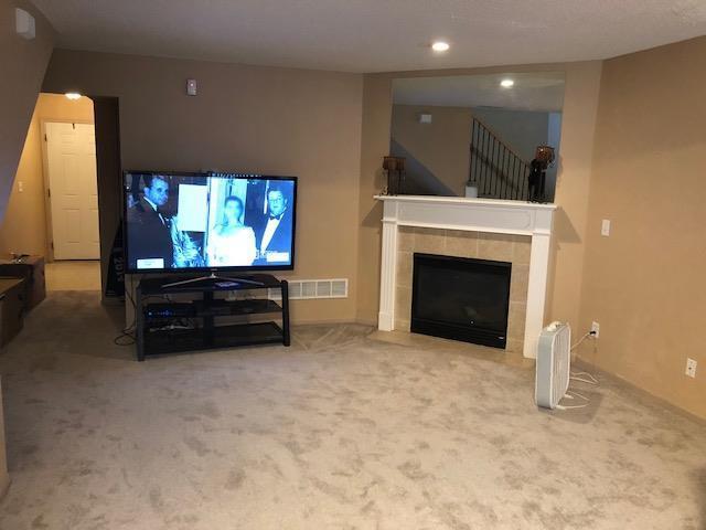 10646 E 46th Terrace, Kansas City, MO 64133 (#2134683) :: Char MacCallum Real Estate Group