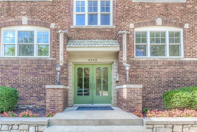 4342 Rockhill Road #1, Kansas City, MO 64110 (#2134686) :: No Borders Real Estate