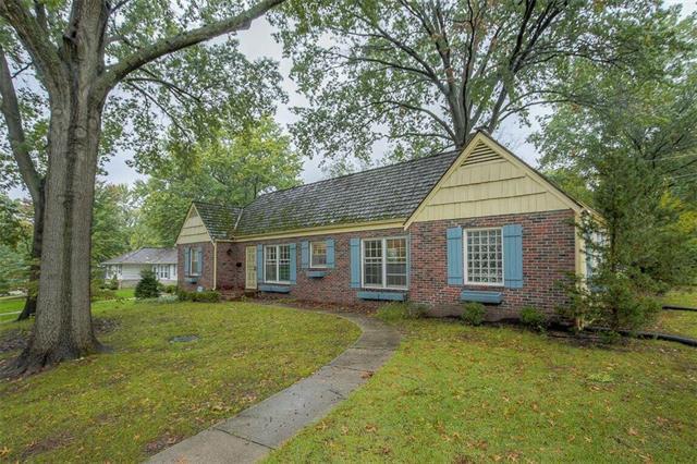 2030 W 84th Terrace, Leawood, KS 66206 (#2134688) :: No Borders Real Estate