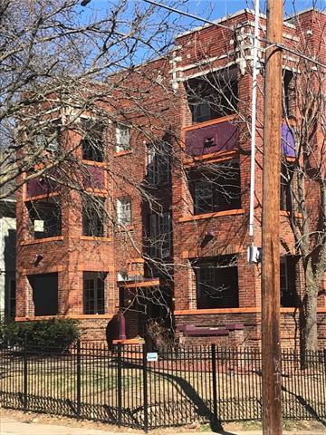 4245 Harrison Street, Kansas City, MO 64110 (#2134705) :: Char MacCallum Real Estate Group