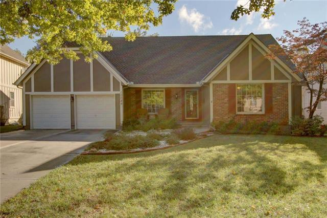 10049 Connell Drive, Overland Park, KS 66212 (#2134728) :: No Borders Real Estate