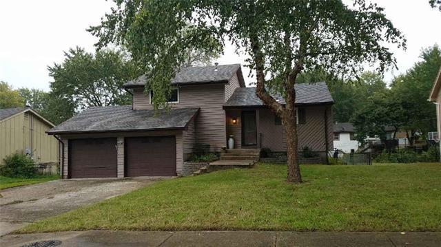 10407 Smalley Avenue, Kansas City, MO 64134 (#2134733) :: No Borders Real Estate