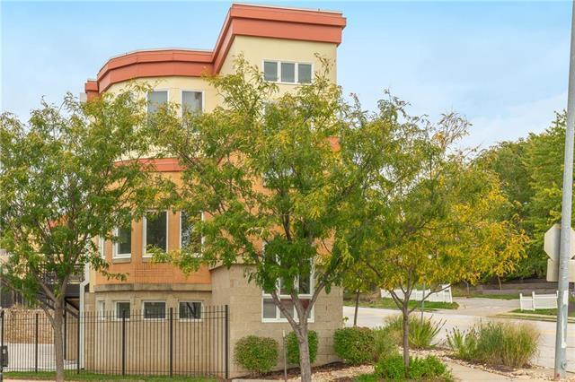 2946 Cherry Street #6, Kansas City, MO 64108 (#2134745) :: No Borders Real Estate