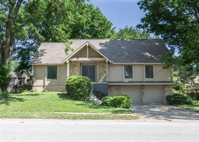 730 SW Raintree Drive, Lee's Summit, MO 64082 (#2134799) :: Char MacCallum Real Estate Group