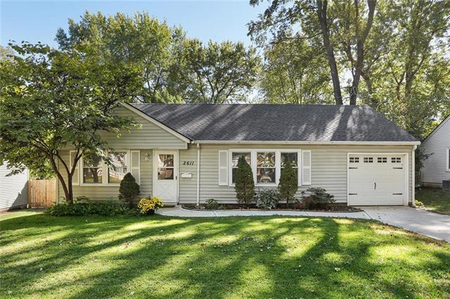 2611 W 77TH Street, Prairie Village, KS 66208 (#2134911) :: Team Real Estate