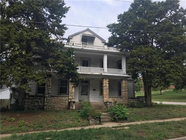 462 E Kansas Street, Liberty, MO 64068 (#2134922) :: Team Real Estate