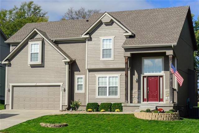 3962 NW 97th Street, Kansas City, MO 64154 (#2134928) :: No Borders Real Estate