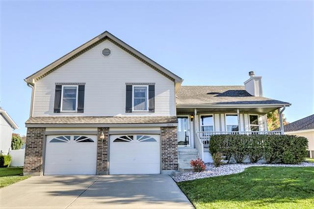 19416 E 11Th. N Terrace, Independence, MO 64056 (#2134941) :: The Shannon Lyon Group - ReeceNichols