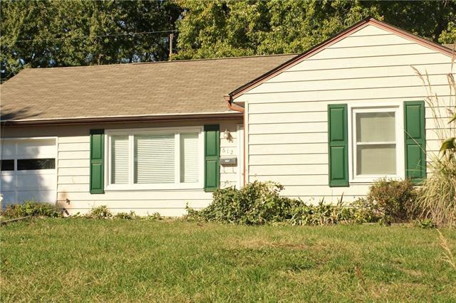 612 NE 66TH Terrace, Gladstone, MO 64118 (#2135034) :: No Borders Real Estate