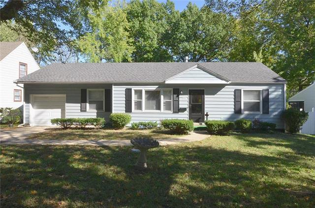 5511 Roe Boulevard, Roeland Park, KS 66205 (#2135041) :: Char MacCallum Real Estate Group