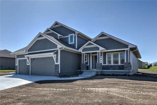 509 Wright Street, Pleasant Hill, MO 64080 (#2135045) :: No Borders Real Estate