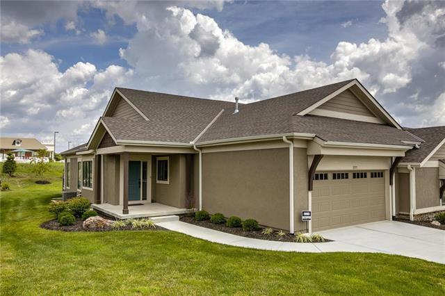 11573 S Waterford Drive, Olathe, KS 66061 (#2135061) :: No Borders Real Estate