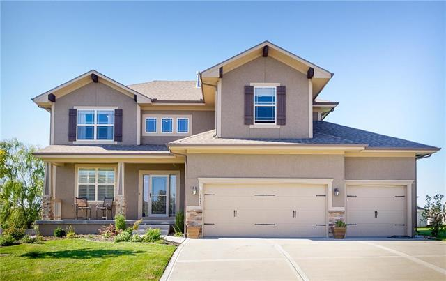 1413 SW Whistle Drive, Lee's Summit, MO 64082 (#2135067) :: Team Real Estate