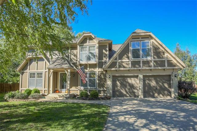 11926 S Hallet Street, Olathe, KS 66061 (#2135082) :: Team Real Estate