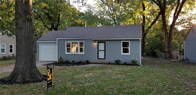 7525 Newton Street, Overland Park, KS 66204 (#2135107) :: Team Real Estate