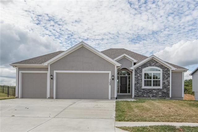 13590 NW 72nd Street, Parkville, MO 64152 (#2135125) :: No Borders Real Estate